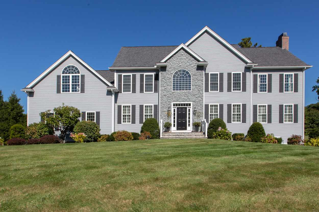 2 Dunraven Road, Windham, NH 03087