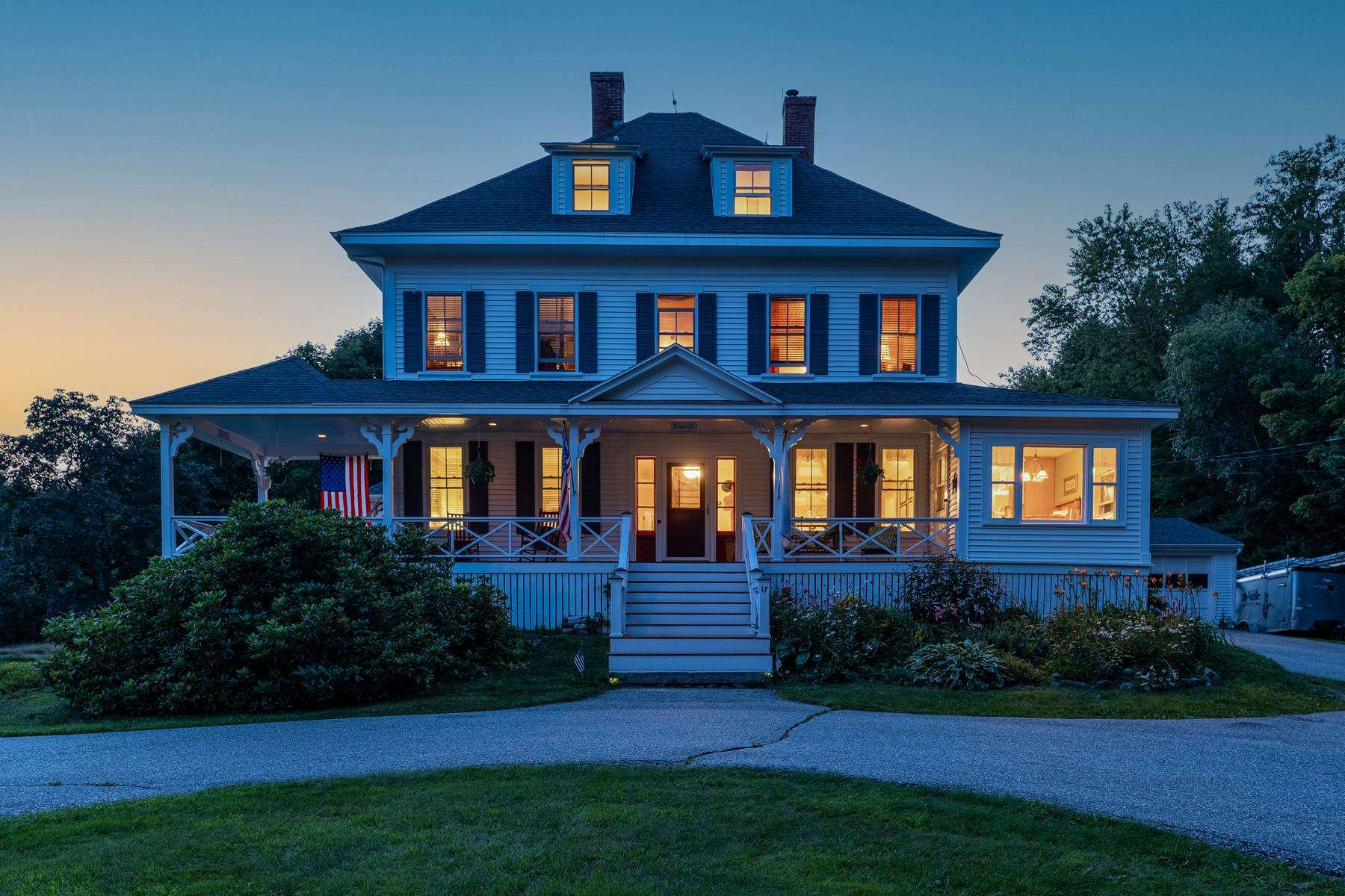 17 Forest Road, Wolfeboro, NH 03894