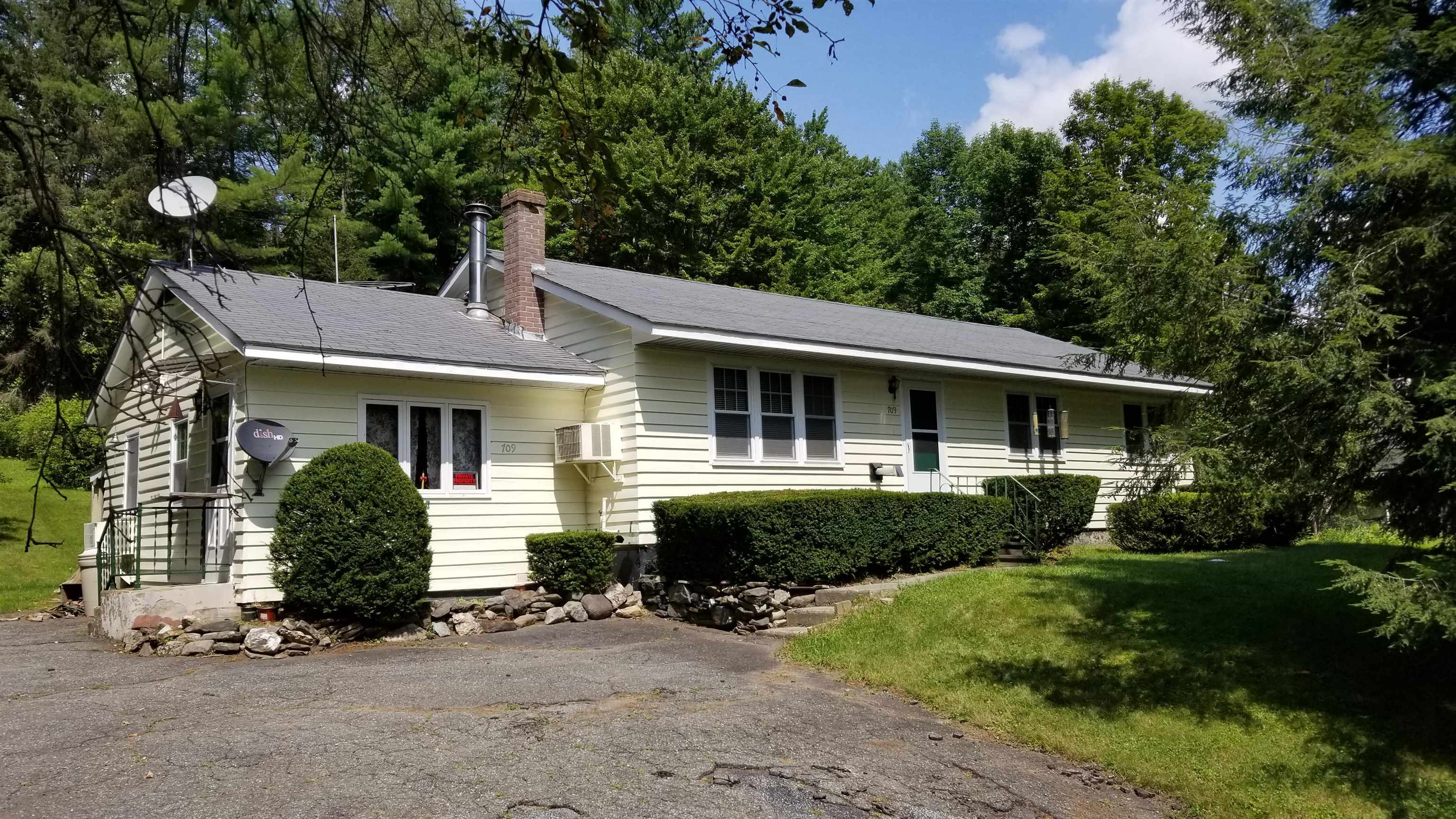 Claremont NH 03743Home for sale $List Price is $164,900