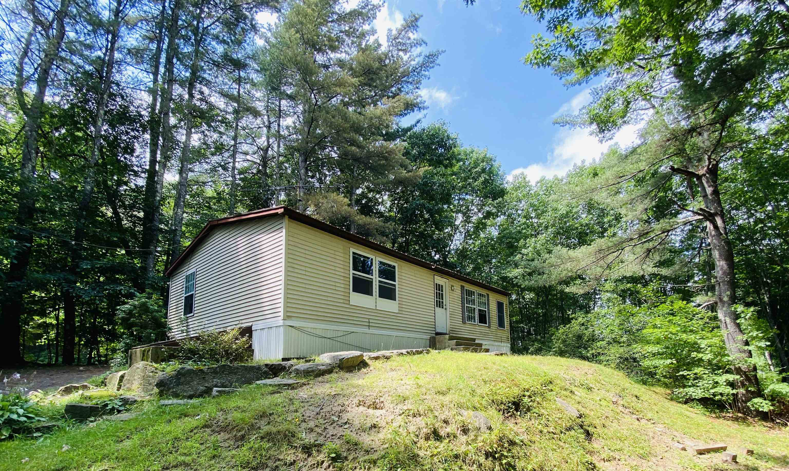 Sunapee NH 03782Home for sale $List Price is $175,000