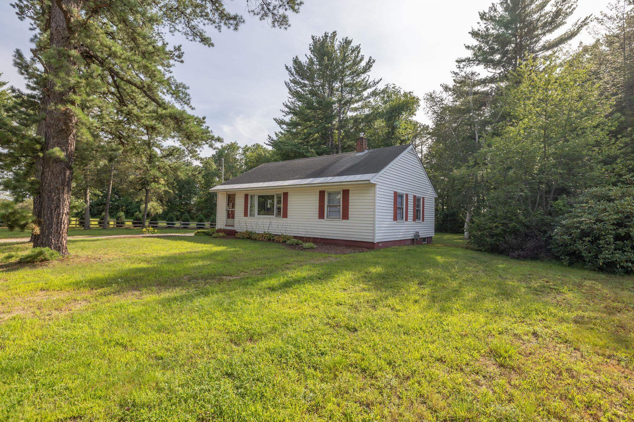 222 Airport Road, Concord, NH 03301
