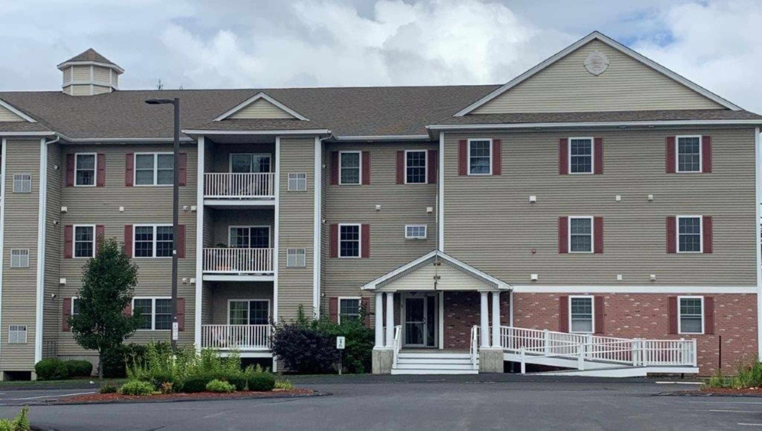 65 Fordway Street 111, Derry, NH 03038