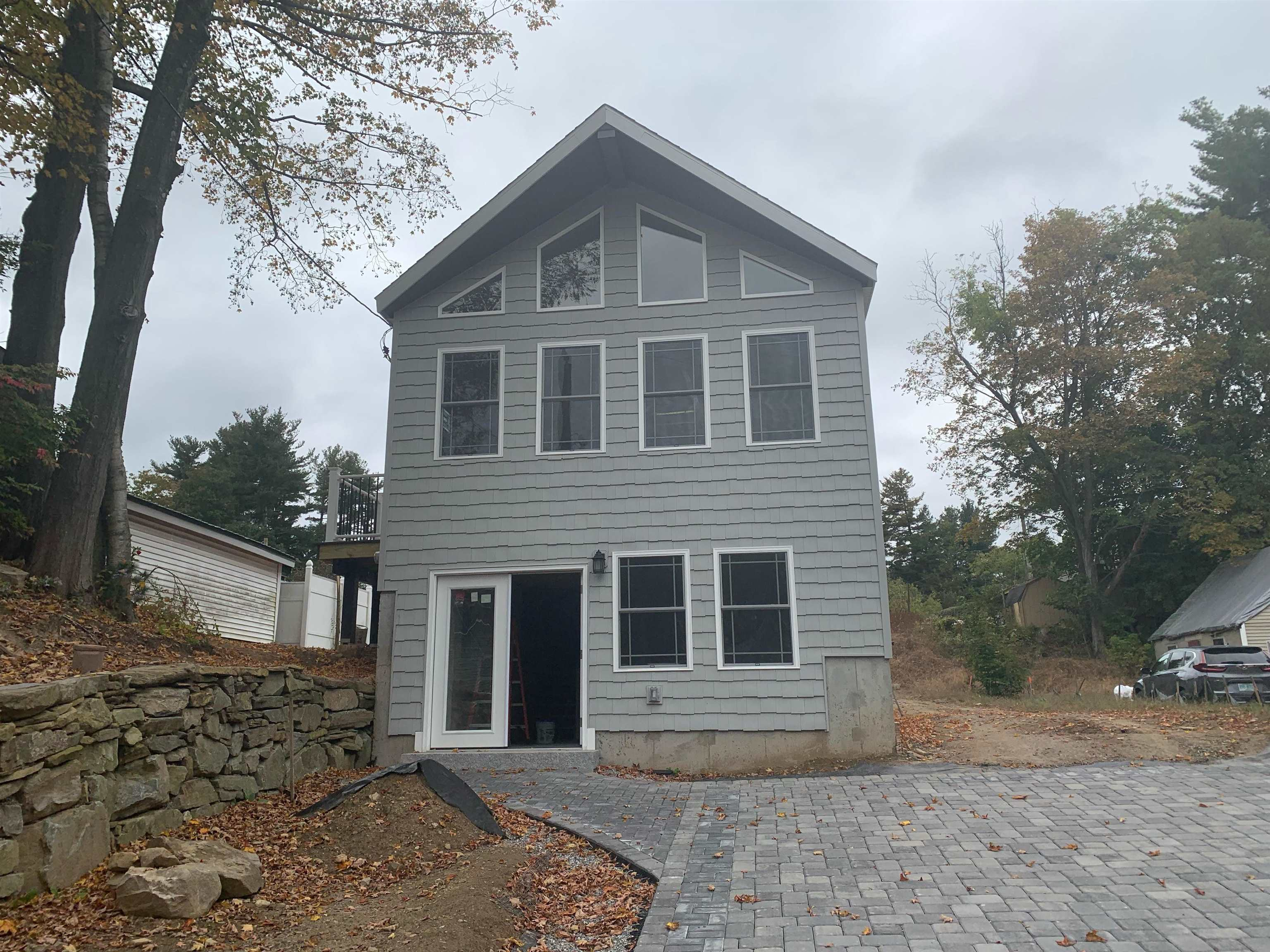 11 Lawrence Street, Derry, NH 03038