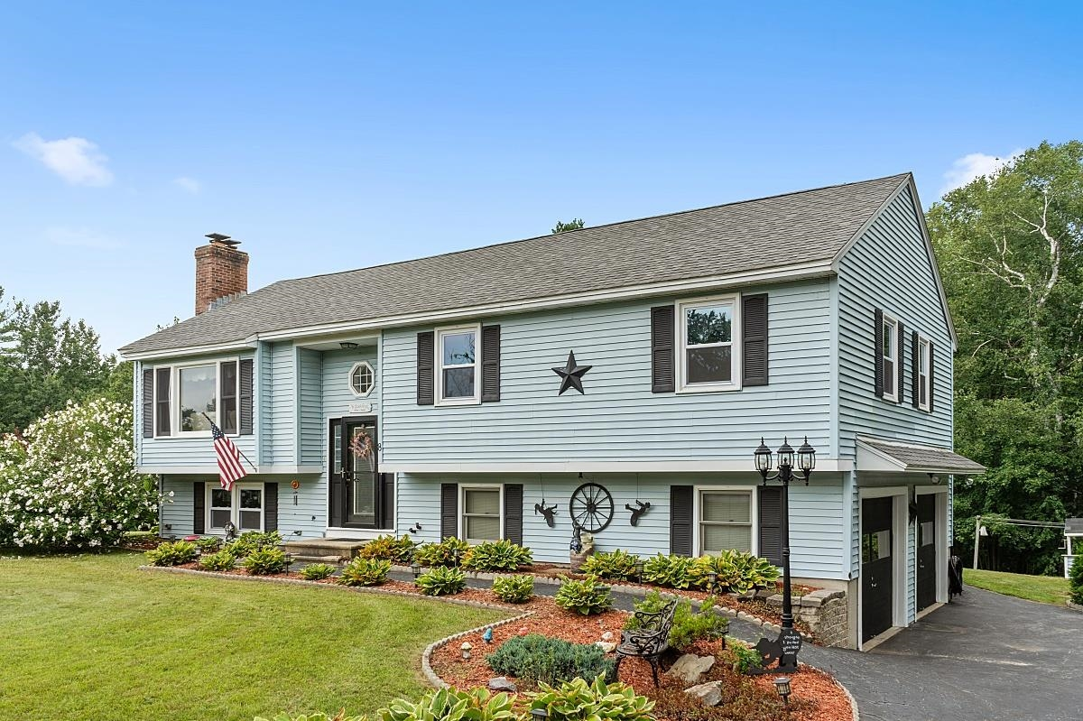 8 Towne Drive, Derry, NH 03038