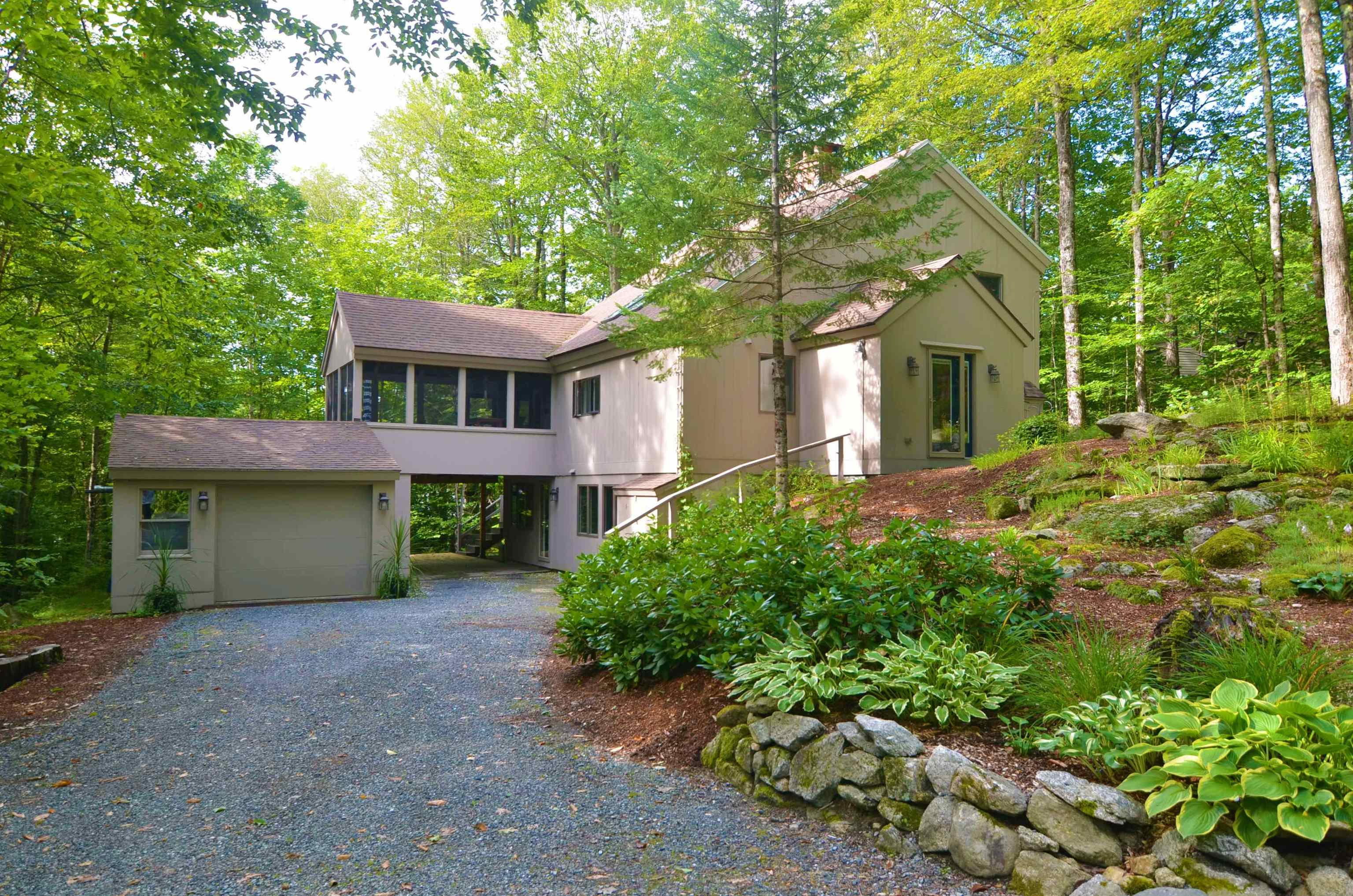 Village of Eastman in Town of Grantham NH  03753Home for sale $List Price is $499,000