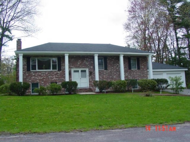 6 Olde Coach Road, Derry, NH 03038