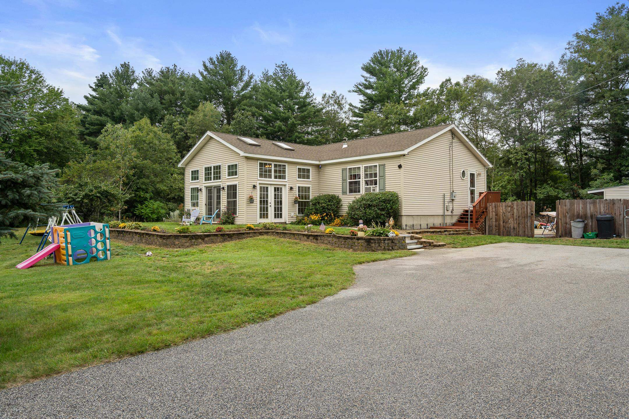 26 Hickory Hill Road, Epping, NH 03042