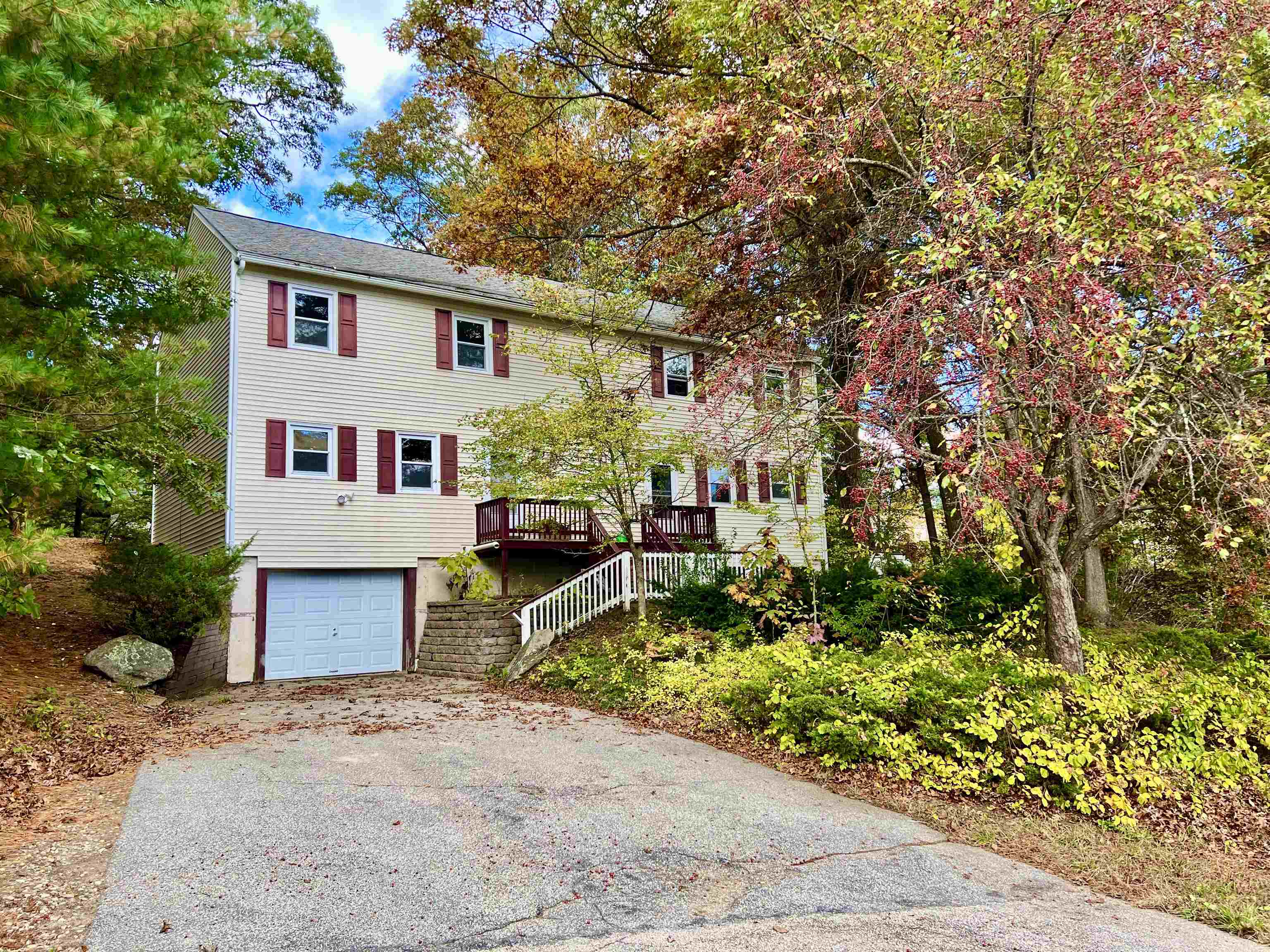 13 Strawberry Hill Road, Derry, NH 03038