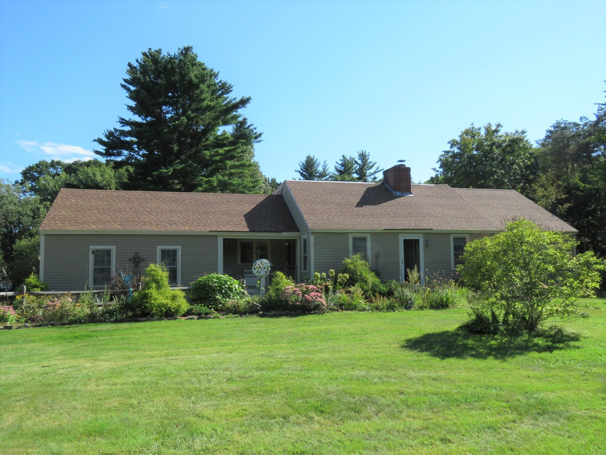 Photo of 426 Middle Road Brentwood NH 03833