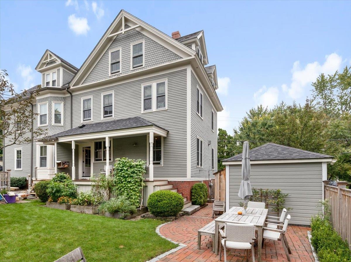 10 New Castle Avenue, Portsmouth, NH 03801
