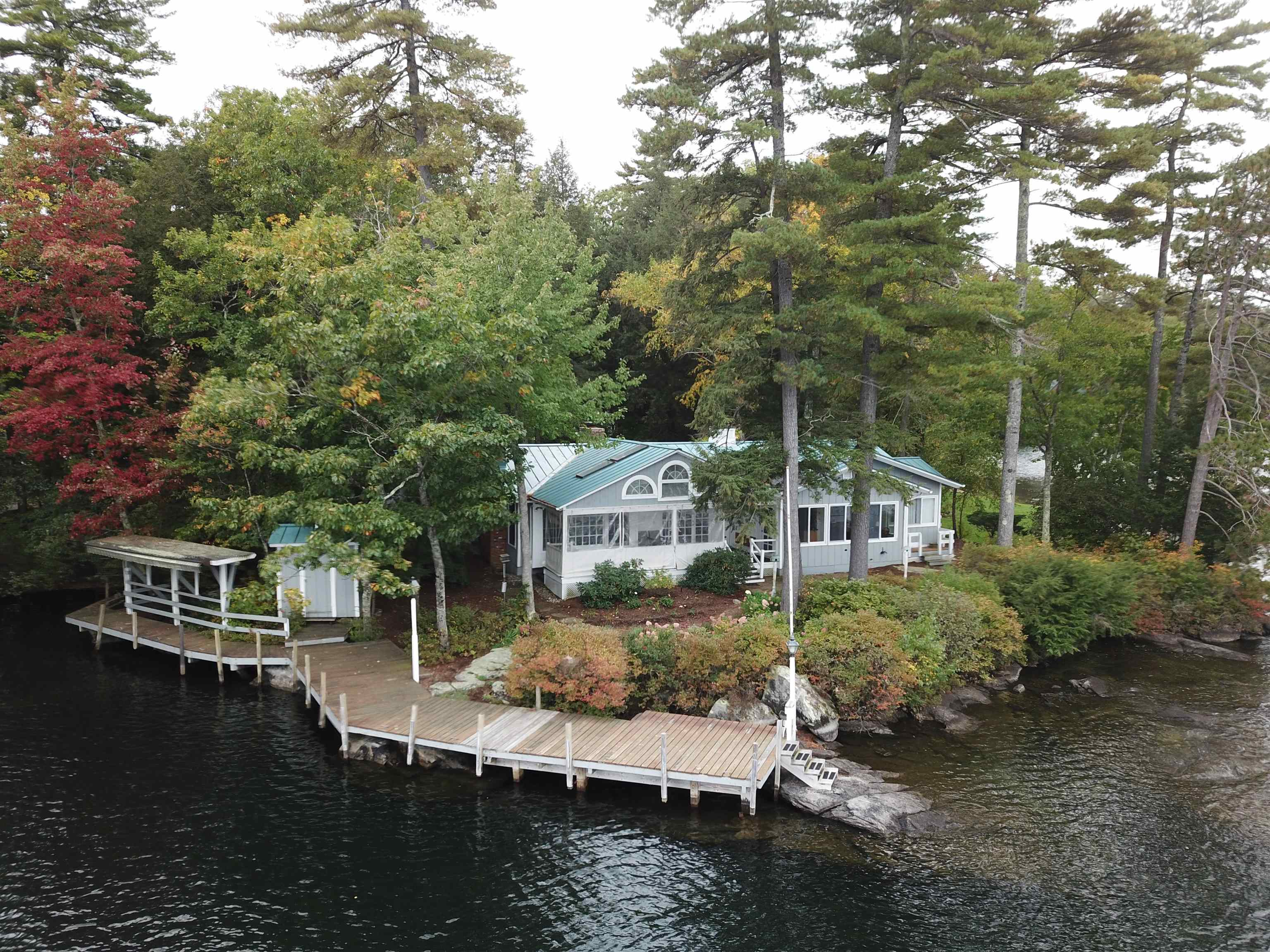 Photo of 40 Oak Island Road Meredith NH 03253
