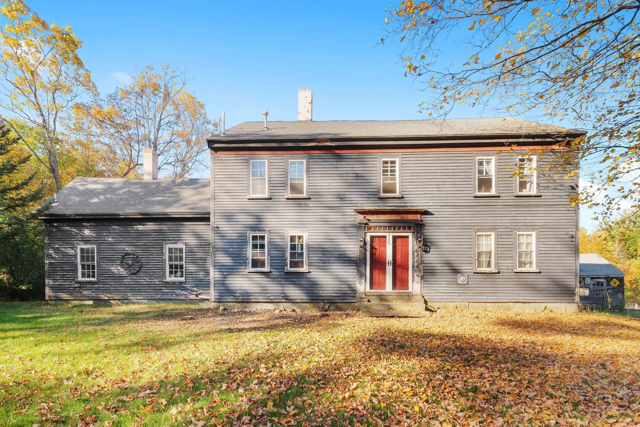 42 College Road, Wolfeboro, NH 03894